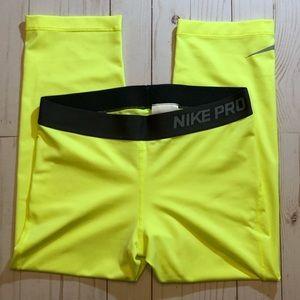 Nike Pro Women's Medium Capri Compression Tights
